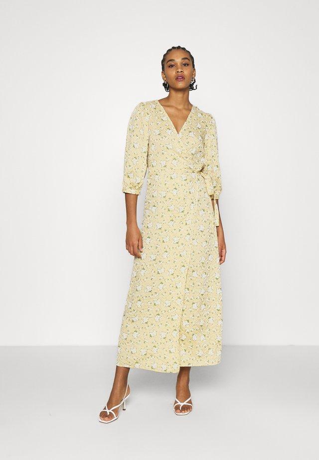 VIBELLA DOLETTA MIDI DRESS - Maxi dress - sunlight