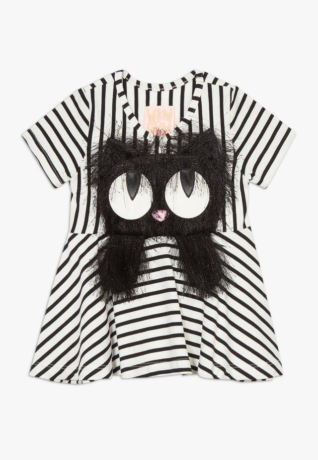 SUMMER SWING - Sukienka z dżerseju - black/white