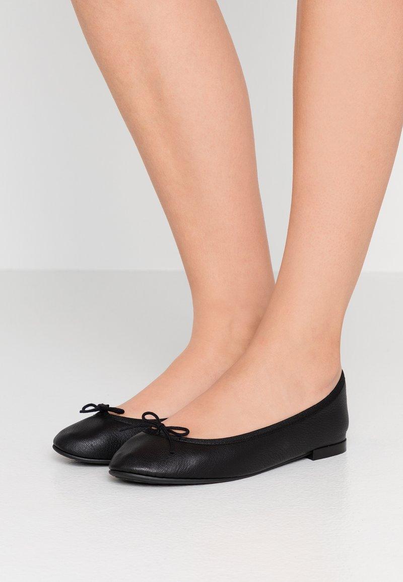 Repetto - LILI - Klassischer  Ballerina - noir