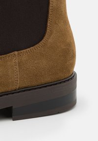 Selected Homme - SLHBLAKE CHELSEA BOOT - Classic ankle boots - tobacco brown - 5