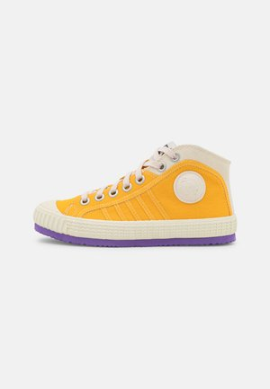 S-YUK MC W - High-top trainers - yellow