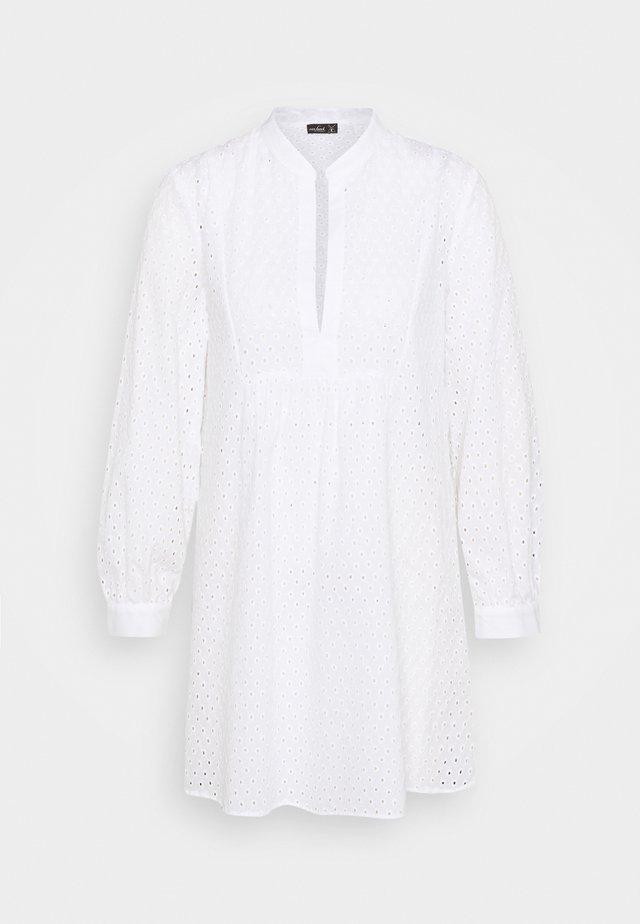 BERIT - Robe d'été - weiß