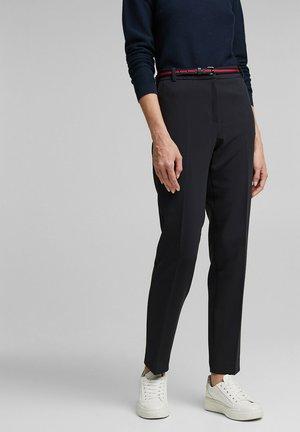 MIT WENDE-GÜRTEL - Trousers - black