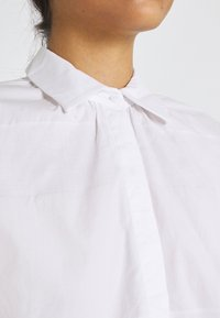 YAS - YASSCORPIO - Skjorte - bright white - 5