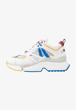 AVENTUR DELTA MIX - Sneakersy niskie - white/multicolor
