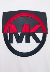 Michael Kors - BLOCK LOGO TEE - Print T-shirt - white - 6
