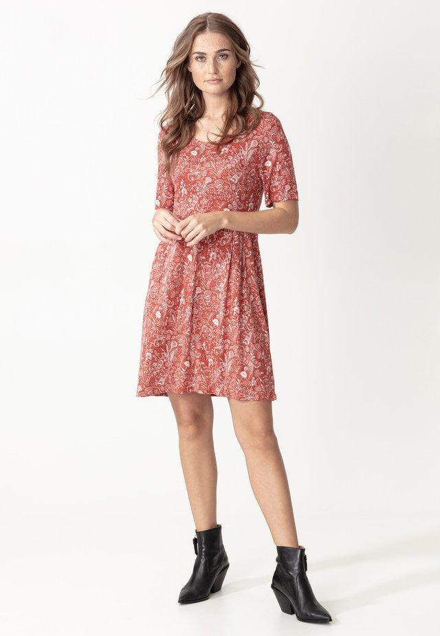 INDISKA TUNIC NICOLINA - Žerzejové šaty - red