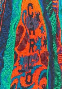 Carlo Colucci - SET - Print T-shirt - navy - 7