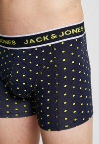 Jack & Jones - JACDOTS TRUNKS 3 PACK - Panties - navy blazer/navy blazer/verdant green - 6