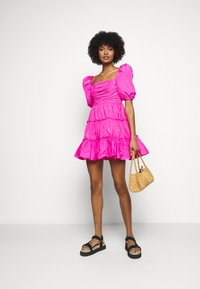 Cinq à Sept - RADLEY DRESS - Jurk - acid pink - 1