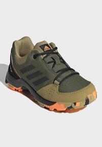 adidas Performance - TERREX HYPERHIKER LOW WANDERSCHUH - Hiking shoes - green - 1