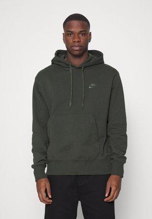 HOODIE CLASSIC - Sweatshirt - sequoia/carbon green