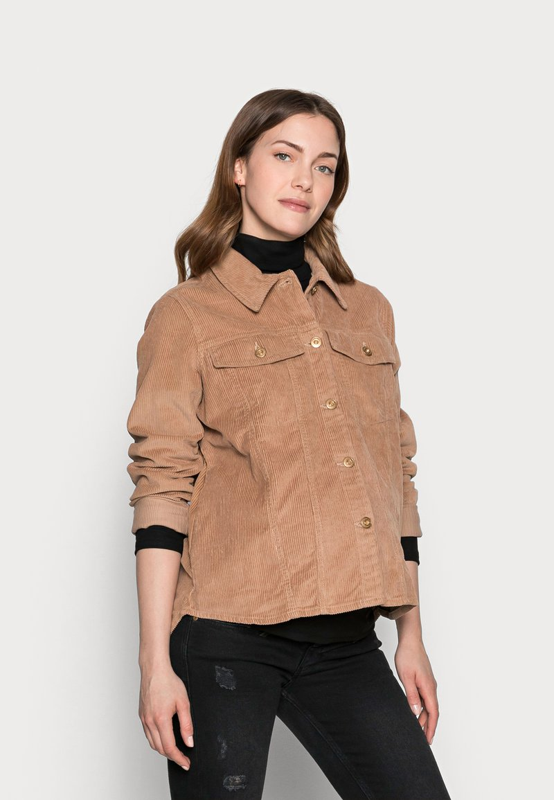 Pieces Maternity - PCMPOLLY SHACKET - Button-down blouse - warm taupe