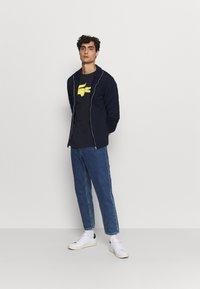 Lacoste Sport - BIG LOGO - T-shirt print - navy blue/wasp - 1