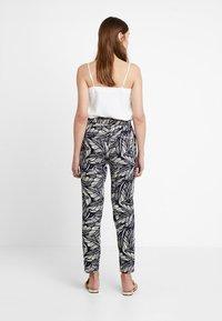 Vero Moda - VMSIMPLY EASY PANT - Trousers - night sky/litas - 2