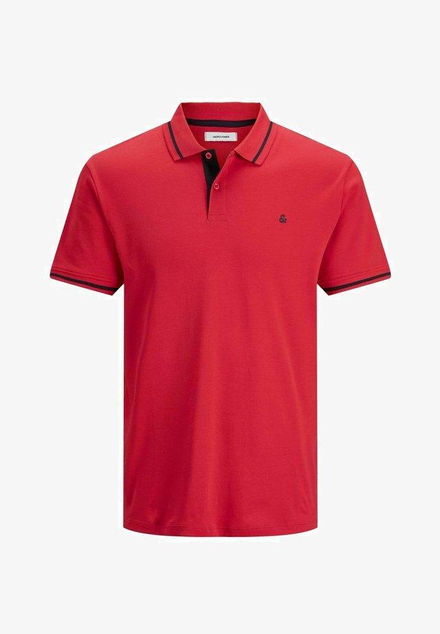Polo - true red