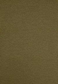 Vero Moda Curve - VMBREA - Print T-shirt - fir green - 5