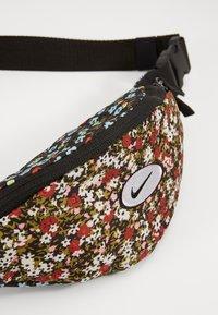 Nike Sportswear - HERITAGE - Bum bag - black - 3