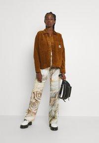 Carhartt WIP - FOY JAC - Summer jacket - tawny - 1