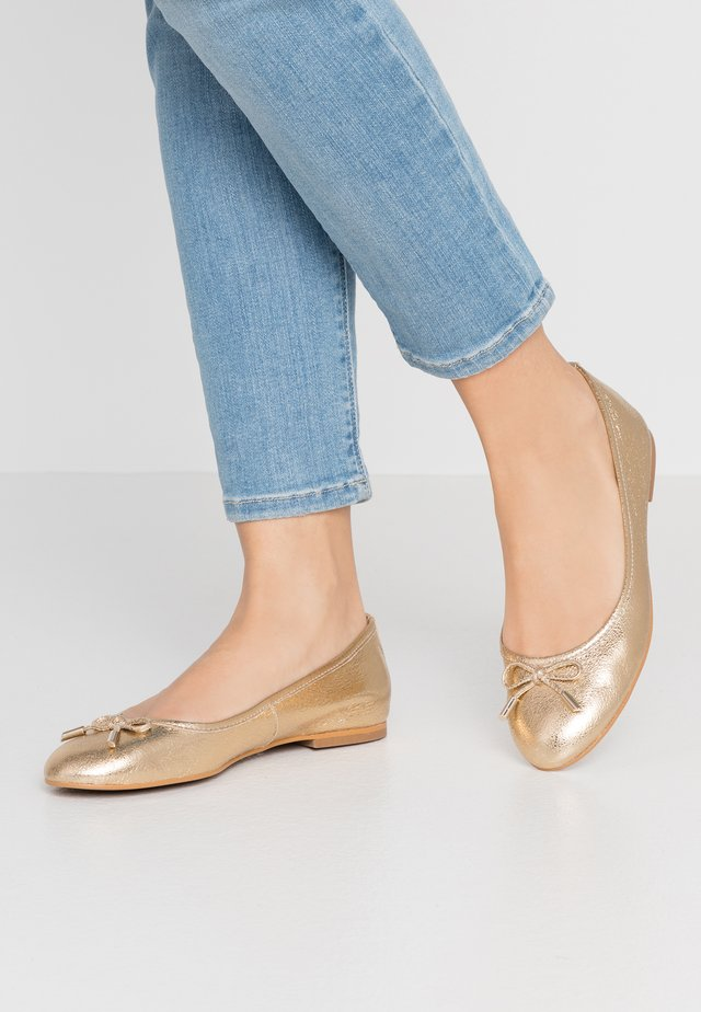 Ballet pumps - or