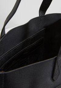 Madewell - MEDIUM TRANSPORT TOTE - Handbag - true black - 4