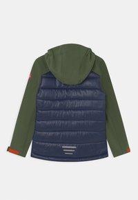 TrollKids - LYSEFJORD UNISEX - Soft shell jacket - forest green/navy/flame orange - 1