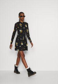 Even&Odd - Day dress - black / yellow - 1