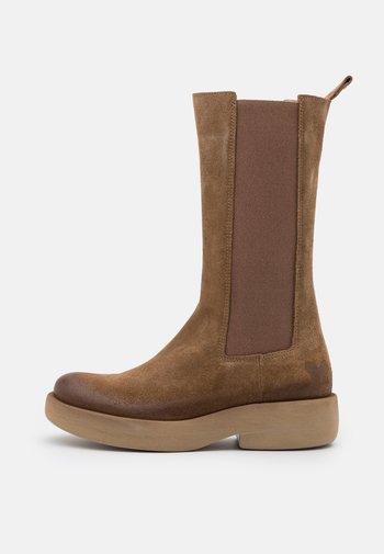 EXTRA - Platform boots - marvin stone