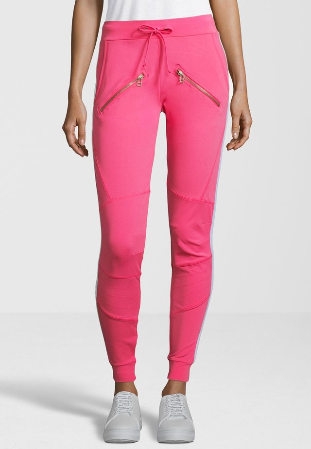 MIT GALONSTREIFEN - Tracksuit bottoms - pink