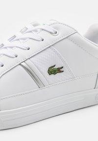 Lacoste - EUROPA - Sneakersy niskie - white - 5