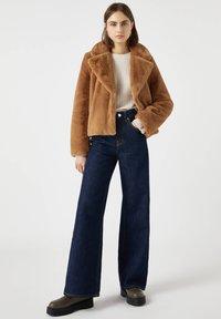 PULL&BEAR - Winter jacket - brown - 1