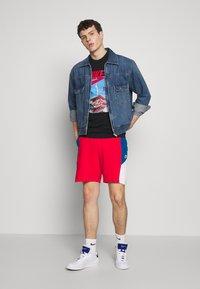 Nike Sportswear - Shorts - university red/industrial blue/white - 1