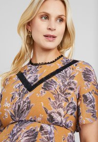 Hope & Ivy Maternity - FLORAL SHORT SLEEVE DRESS - Maxi šaty - orange - 4