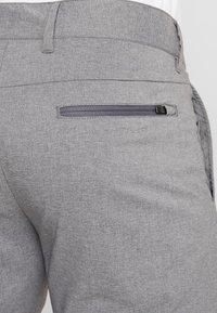 Peak Performance - AVIAMELSH - Sports shorts - grey melange - 4