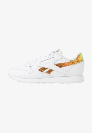 CLASSIC  - Zapatillas - white