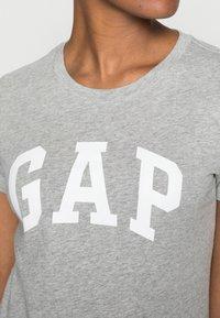 GAP - TEE - T-shirts med print - grey heather - 4