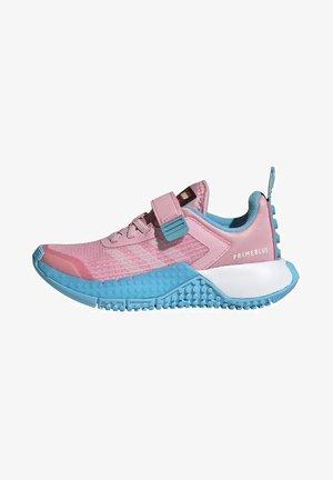 ADIDAS PERFORMANCE ADIDAS X LEGO - Chaussures de running neutres - pink/white/blue