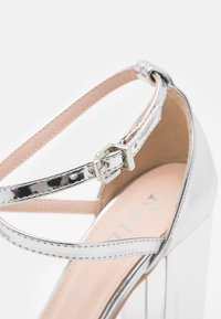 RAID Wide Fit - WIDE FIT KATY - High heels - silver mirror - 6