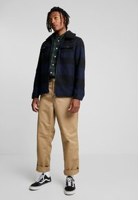 Only & Sons - ONSROSS CHECK SHORT JACKET - Tunn jacka - estate blue/black - 1
