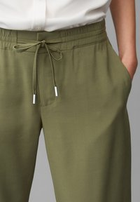 Marc O'Polo - MOD. KIBY - Tracksuit bottoms - natural olive - 3