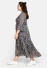 Sheego - Maxi dress - steingrau bedruckt - 1