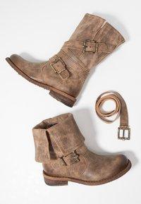 Felmini - GREDO - Cowboy/Biker boots - noumerat camel - 7
