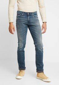 Tommy Jeans - SCANTON SLIM - Slim fit -farkut - blue denim - 0