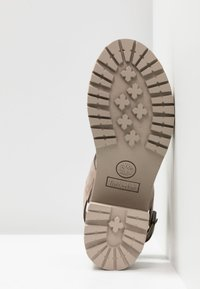 Timberland - VIOLET MARS 2 BAND SANDAL - Sandály - taupe - 6
