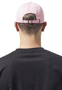 Flexfit - LOW PROFILE - Cap - pink - 2