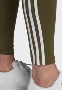adidas Originals - LEGGINGS - Leggings - Trousers - green - 4