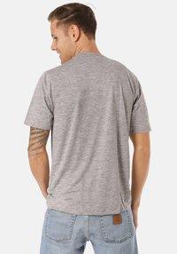 Patagonia - COOL DAILY GRAPHIC - Print T-shirt - grey - 1
