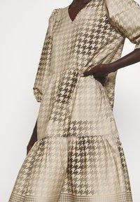 CECILIE copenhagen - RUBY SHORT DRESS - Denní šaty - frost grey - 5