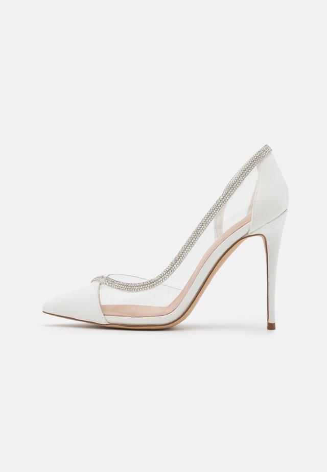 FIBETH - Classic heels - white
