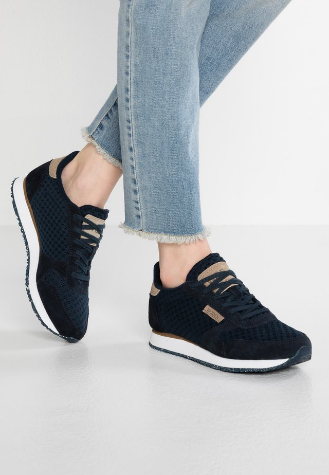 Ydun Suede Mesh - Trainers - navy